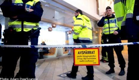 Suspicious bag shuts down Swedish airport