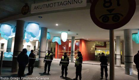 Police close entrance to Malmö hospital