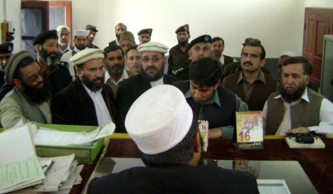 Politician slammed for remarks on Sharia courts