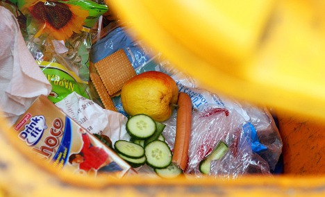 Germans each chuck out 82 kilos of food a year