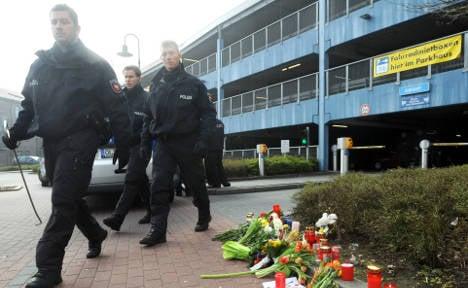 Police seek murderer of 11-year-old girl