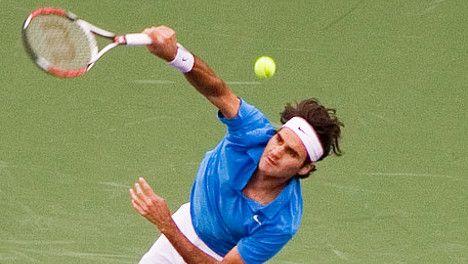 Federer unstoppable in desert heat