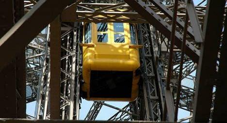 Eiffel Tower lift falls down during test