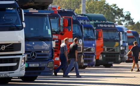 Pied petrol-pipers of Hamelin strike