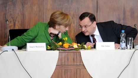 Merkel: no rush for EU fiscal pact Czech signing