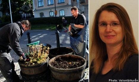 Volunteering for English speakers hits Sweden