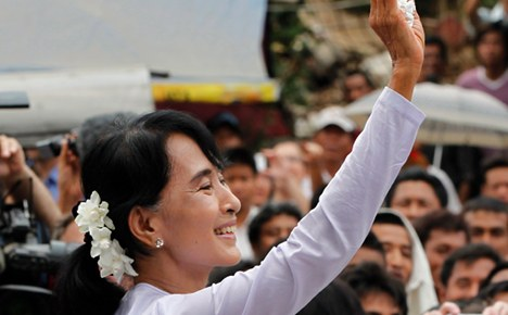 Merkel hails 'democratic election' in Burma