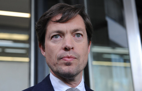 'Homeless billionaire' to rescue drugstore chain