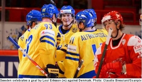 Swedes thrash Danes for third world hockey win