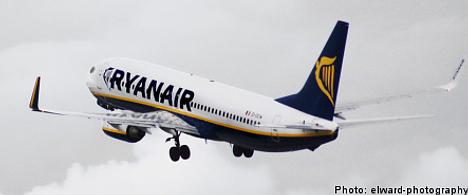 Hostess plummets from Ryanair plane in Sweden