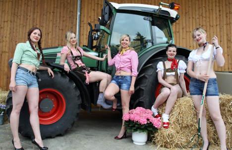 Bavaria lures city-folk with farm work holidays