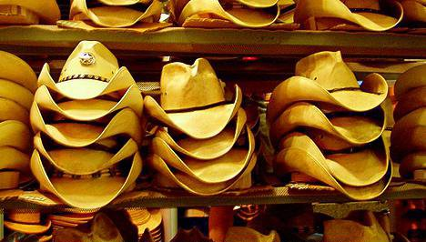 Cowboy hat courier nabbed in Norway