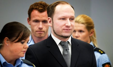 Witnesses recall killer's ruse to get to Utøya