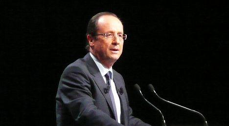 Hollande under pressure to maintain austerity