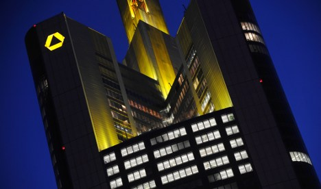 Judge: Commerzbank must pay bonuses