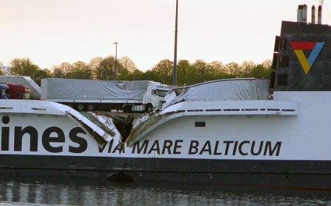 Captain 'in wrong gear' before ship crash
