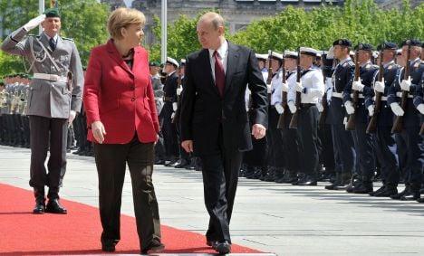 Merkel and Putin: tackle Syria with politics