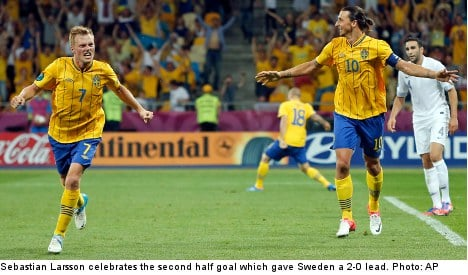 Sweden saves face with win over France