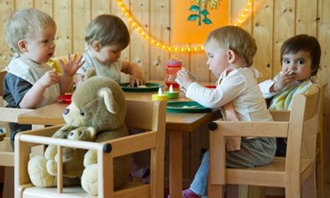 Unemployed 'to work in kindergartens'