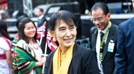 Thousands cheer Suu Kyi in Bergen