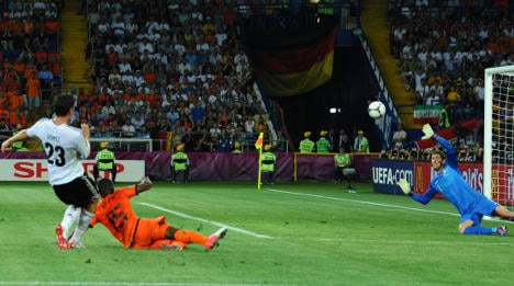 Germany defeat Dutch, head for Euro quarters