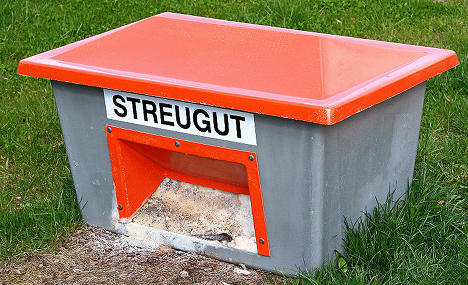 Police rescue boozed-up man from grit bin