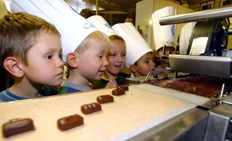 Kids – eat 59,000 calories for a football shirt!