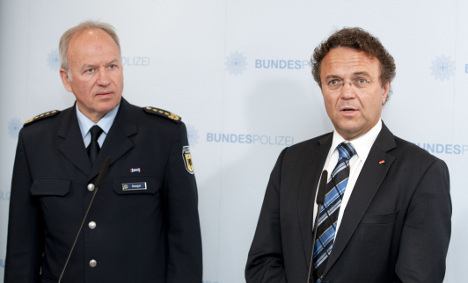 Minister sacks entire federal police leadership
