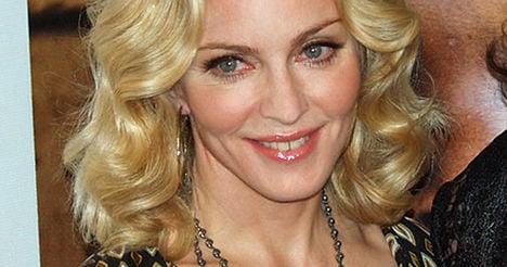 Madonna lashes out at Paris concert 'thugs'