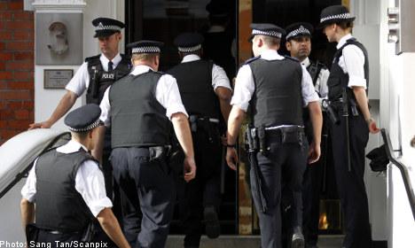 Police enter Ecuadorean embassy building