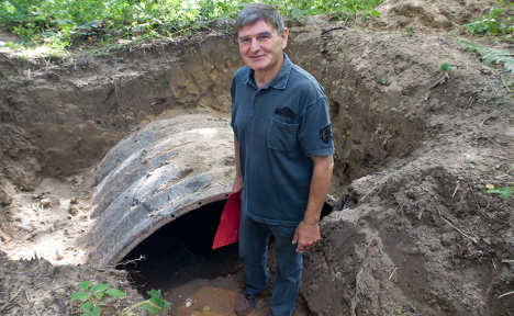 Walker unearths doomed Cold War spying tunnel