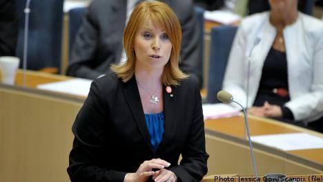 Lööf summons agency heads after lavish parties