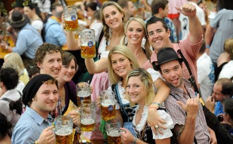 Beer fans lobby for Oktoberfest price cap