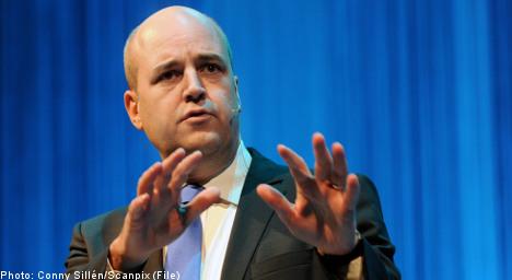Reinfeldt heading to Paris for EU budget talks