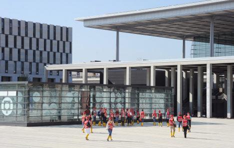 Berlin airport delayed until October 2013