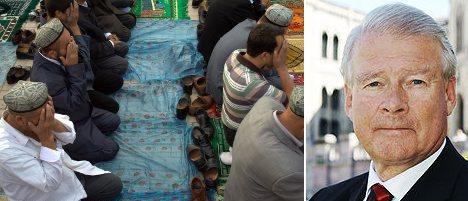 Hagen halts Muslim prayer at Oslo school