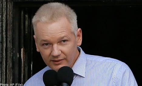 Britain predicts long showdown over Assange