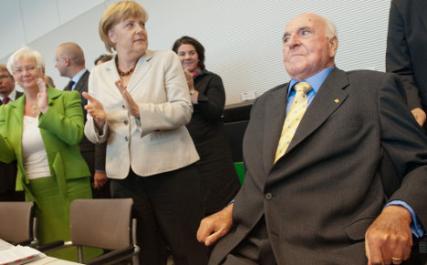 Merkel and Kohl to unite for party and euro