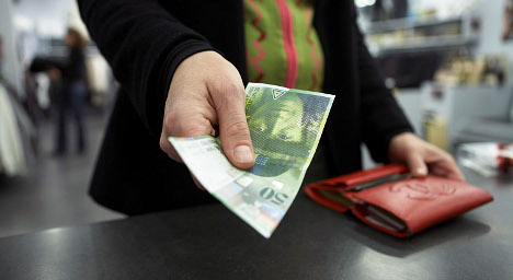 Switzerland set to avoid recession: agency