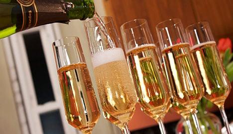 Hollande: make Champagne heritage site