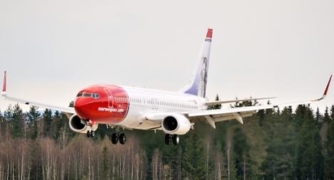 'Al-Qaeda bomb' note grounds Norway plane