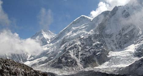 Nepal mountain search finds French body
