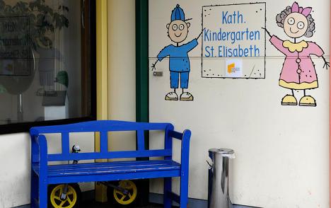 Kindergarten worker 'forced kids to eat vomit'