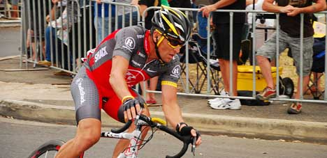 World cycling body look at Armstrong dope claims
