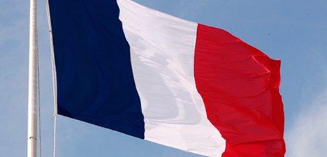 France scraps citizenship tests