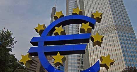 Hollande demands strict rules on EU bank union