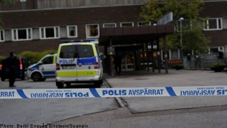 Man arrested after hospital scissor attack