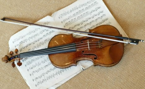 Customs: Your violin back? That'll be $1.5mln