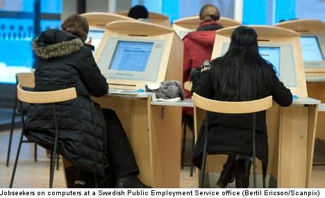 Job programmes 'unfair' to foreign-born women