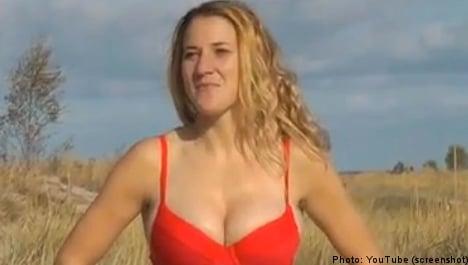 Women footballers defend 'Baywatch' video